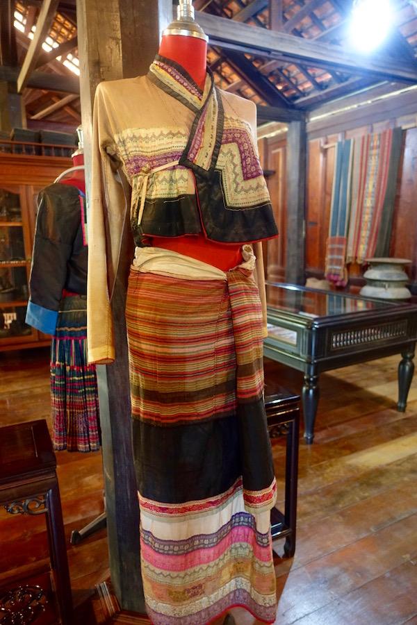 eatdrinklaos-vientiane-lao-textile-museum-garments