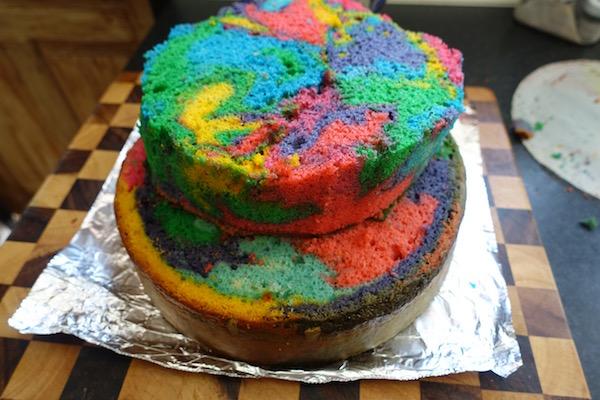 eatdrinklaos-rainbow-pinata-cake-layers