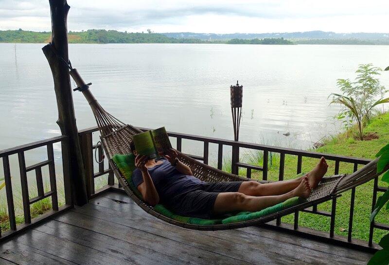 eatdrinklaos-vientiane-lao-lake-house-hammock
