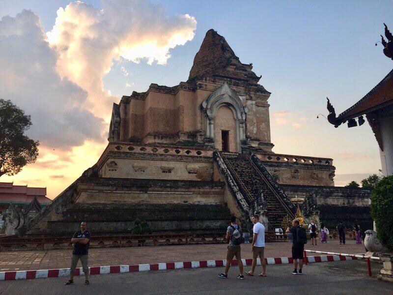 eatdrinklaos-thailand-chiang-mai-temple-sunset