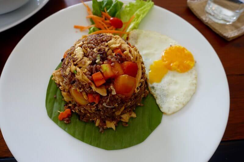 eatdrinklaos-vientiane-spoon-fox-fried-rice