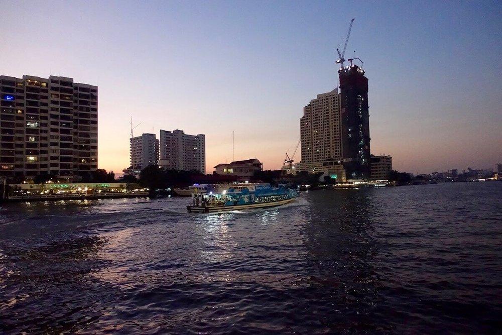 eatdrinklaos-bangkok-supanniga-cruise-sunset.jpg