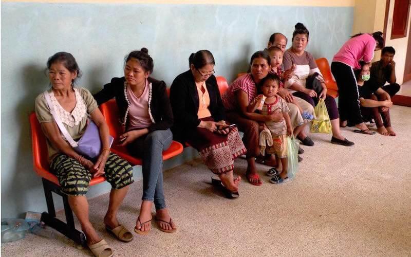 eatdrinklaos-vientiane-bridge-the-gap-waiting-families