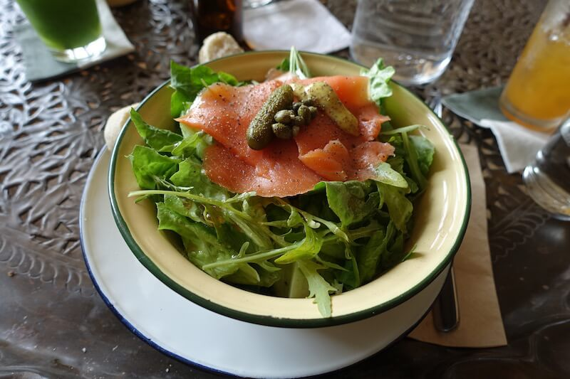 eatdrinklaos-vientiane-cabana-cafe-salad