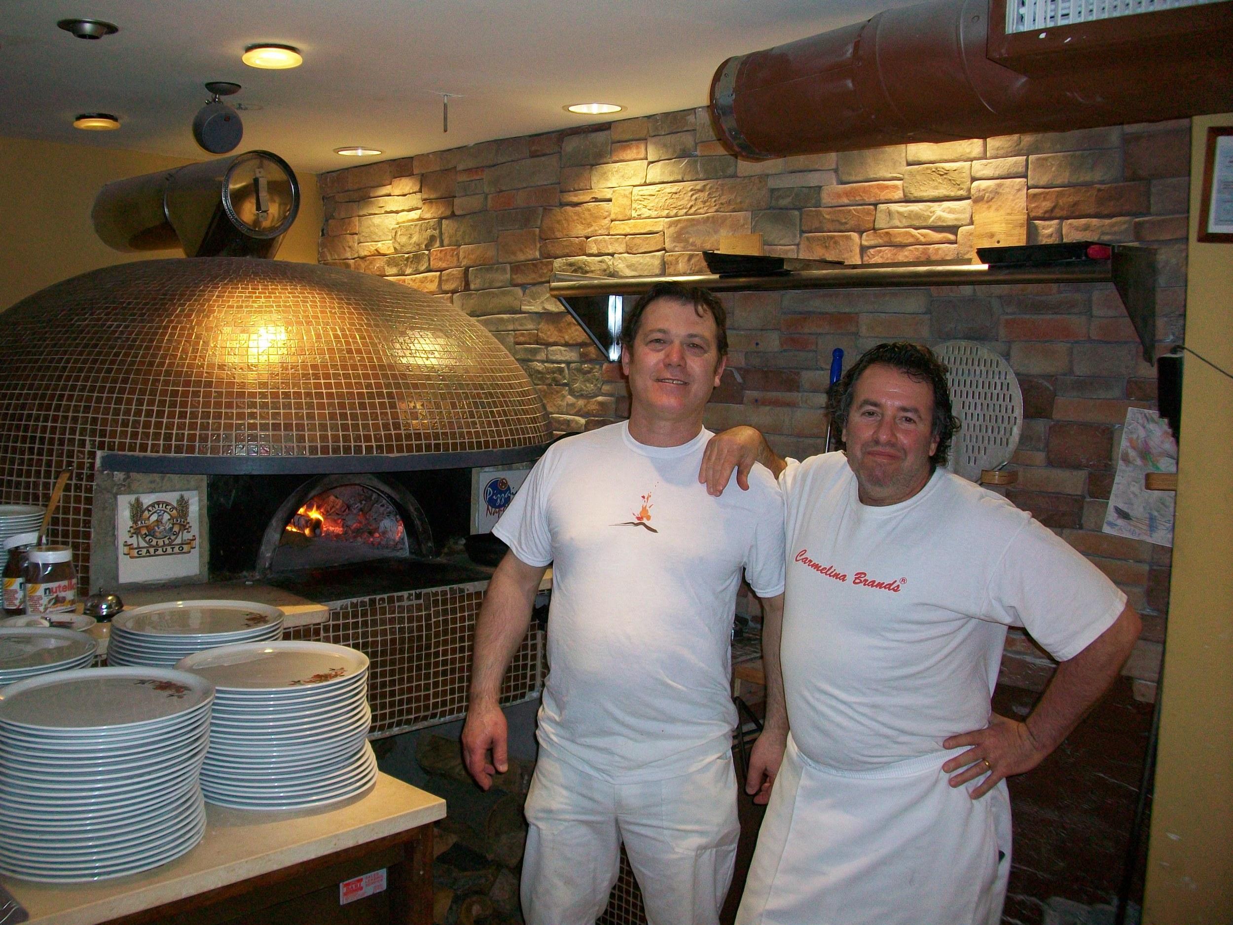 Roberto-Caporuscio-Jonathan-Goldsmith-Keste-Pizzeria-New-York