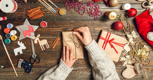 7 Art Therapy Ideas For The Winter Holidays