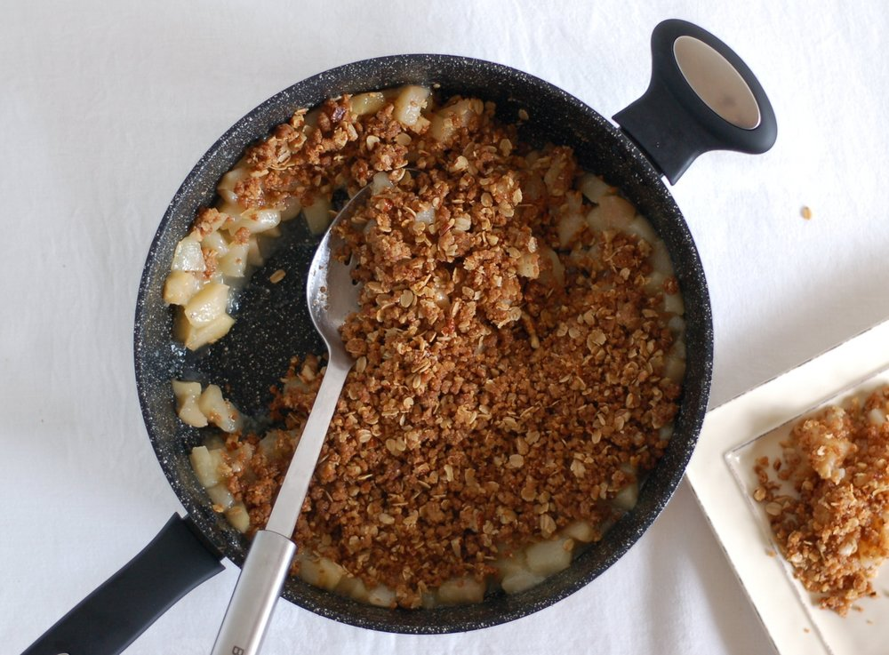 Stovetop Pear & Ginger Crisp