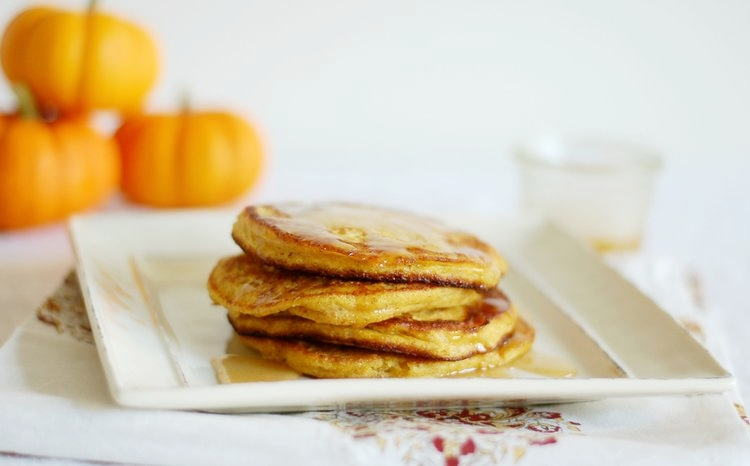 Pumpkin+Ricotta+Pancakes.jpg