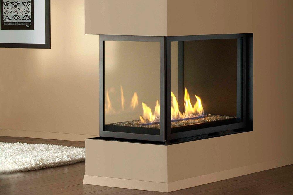 Montigo H Series Panorama + Peninsula — the fireplace specialist