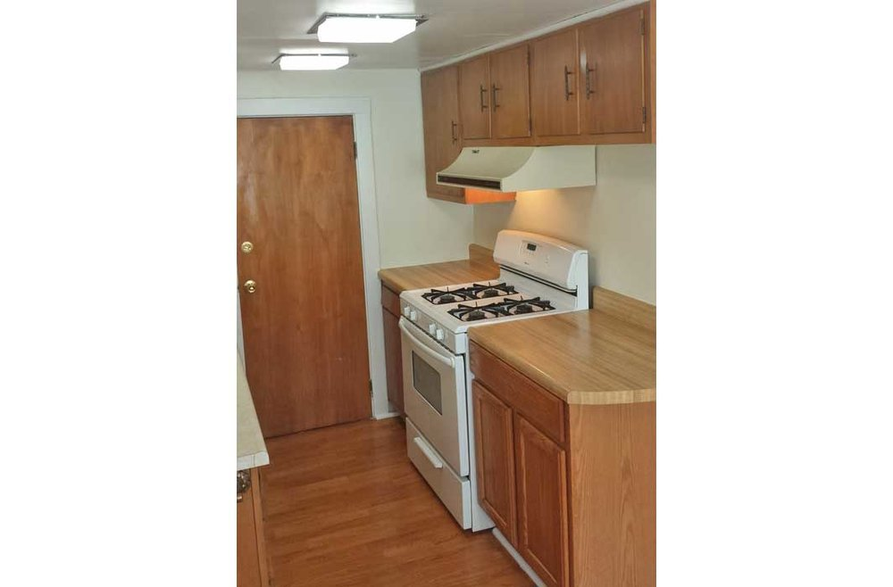 1504-Callendar-kitchen-2-web.jpg