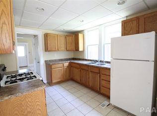 1608 Fredonia-kitchen-2.jpg