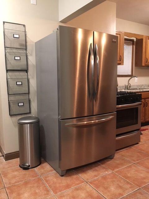 1819 fridge:stove.jpg