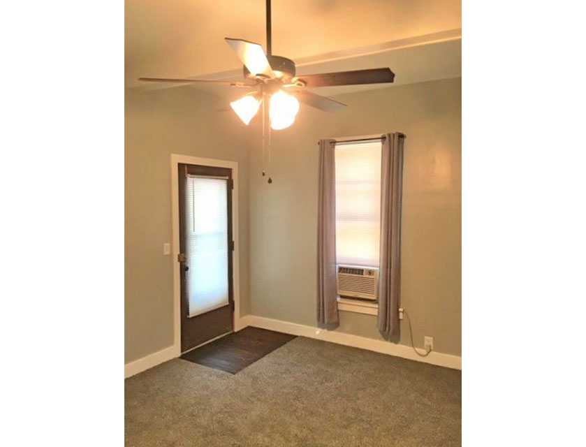408-Glenwood-Peoria-Living-Room-wide.jpg