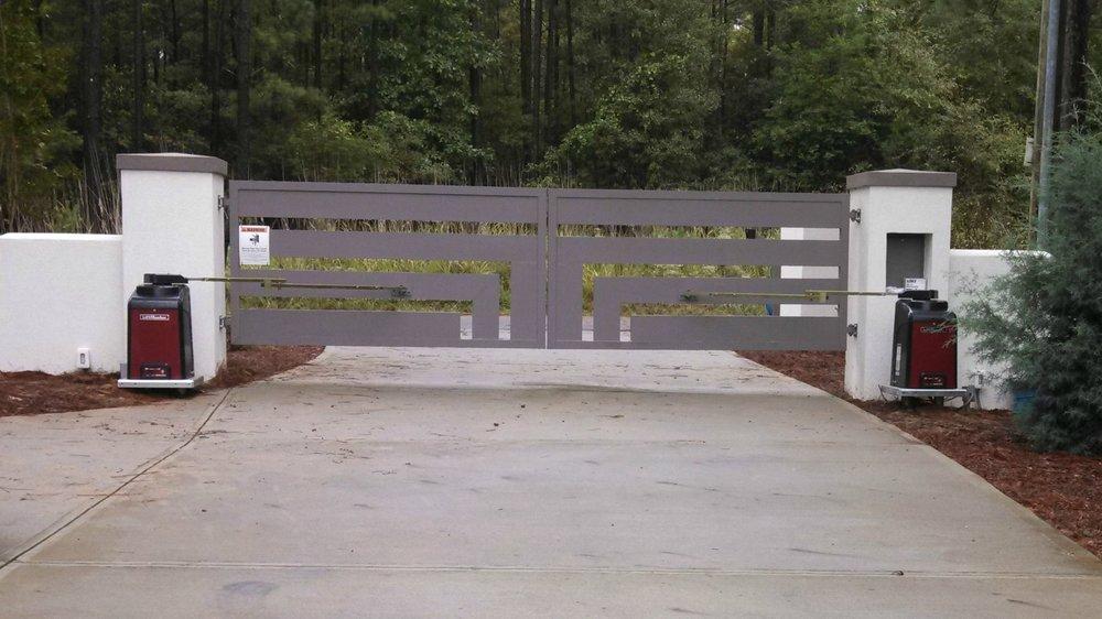 custom gate 2.jpg