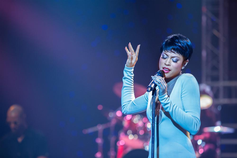 Toni-Braxton-Unbreak-My-Heart-1-Lex-Scott-Davis.jpg