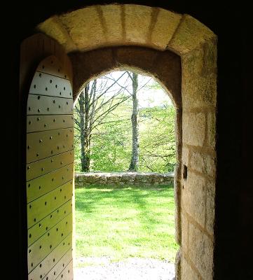 doorwaytooutside