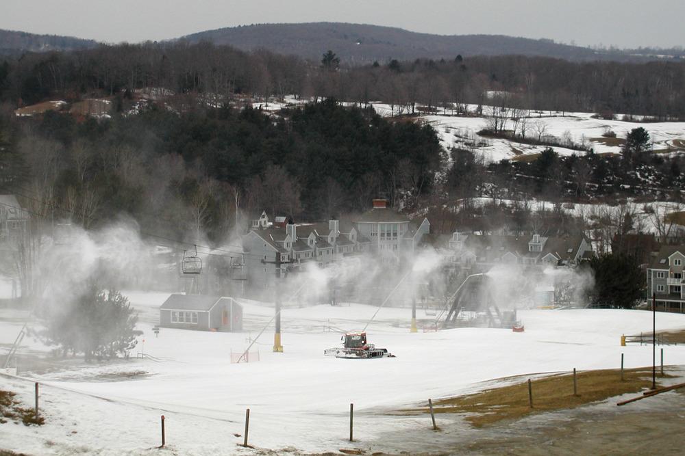 Snowmaking December 2001