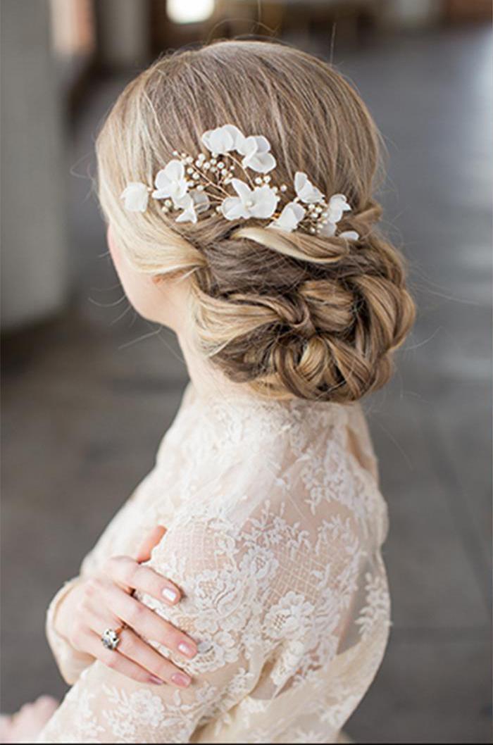 6-romantic-wedding-hairstyle-inspiration-2.jpg