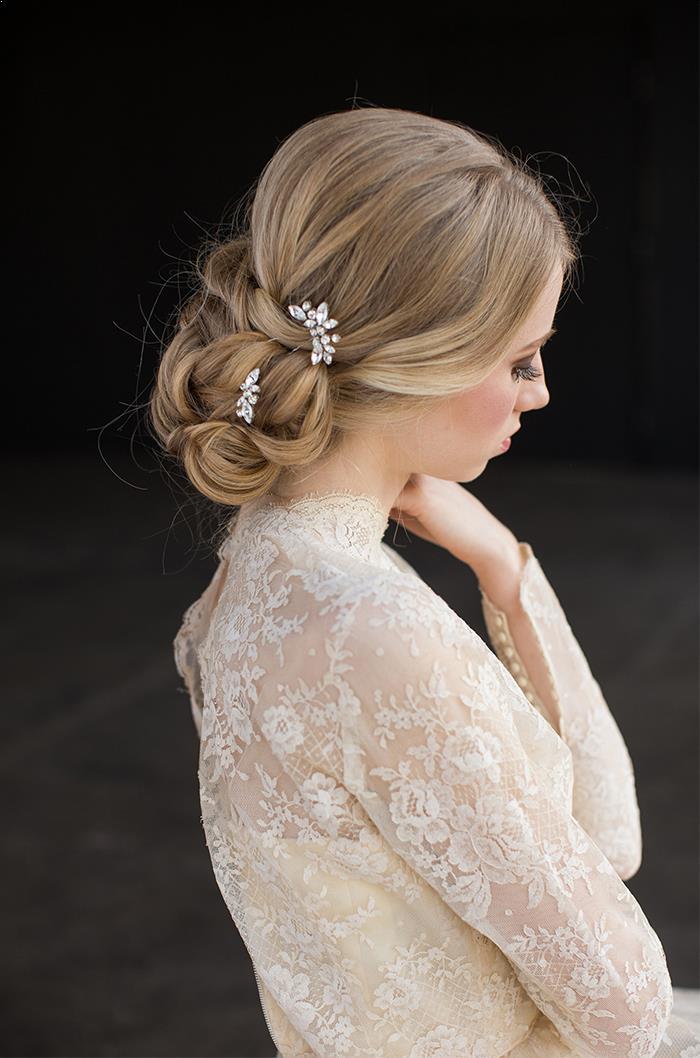 8-romantic-delicate-bridal-hair-accessories.jpg