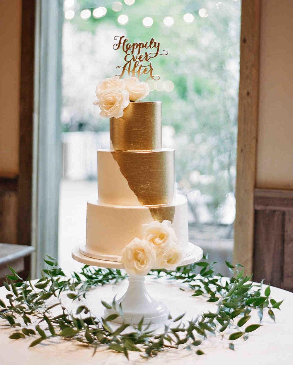 shannon-jon-wedding-cake-0682-6238579-0117_vert.jpg