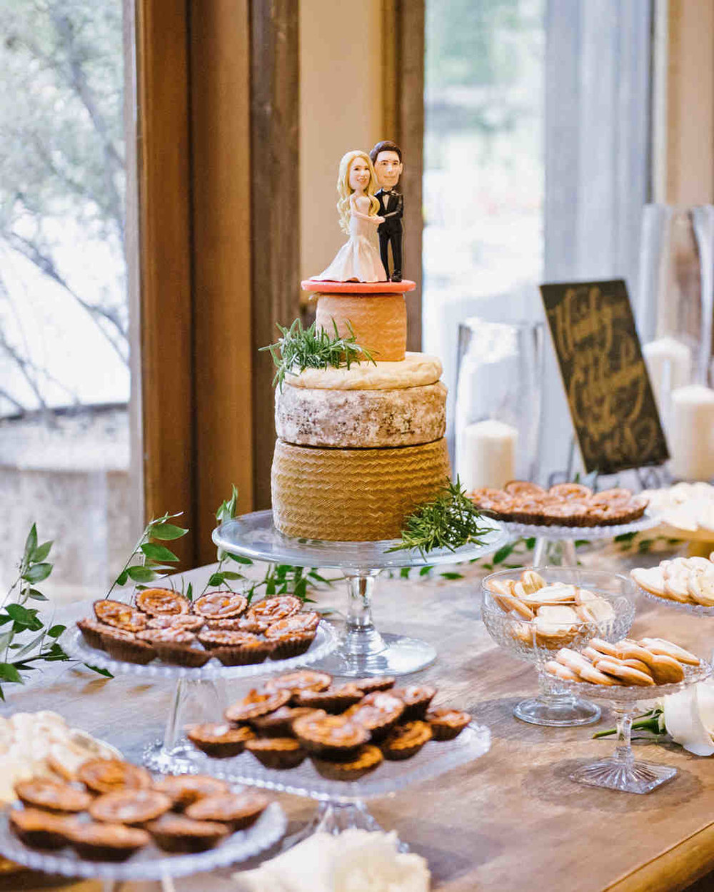shannon-jon-wedding-cheese-desserts-0675-6238579-0117_vert.jpg