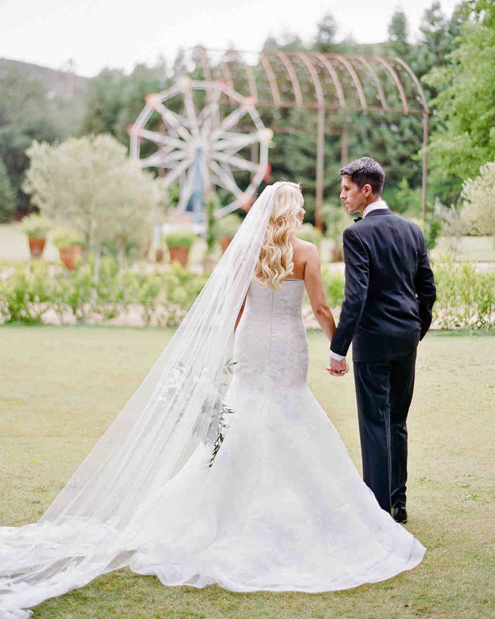 shannon-jon-wedding-couple-0124-6238579-0117_vert.jpg