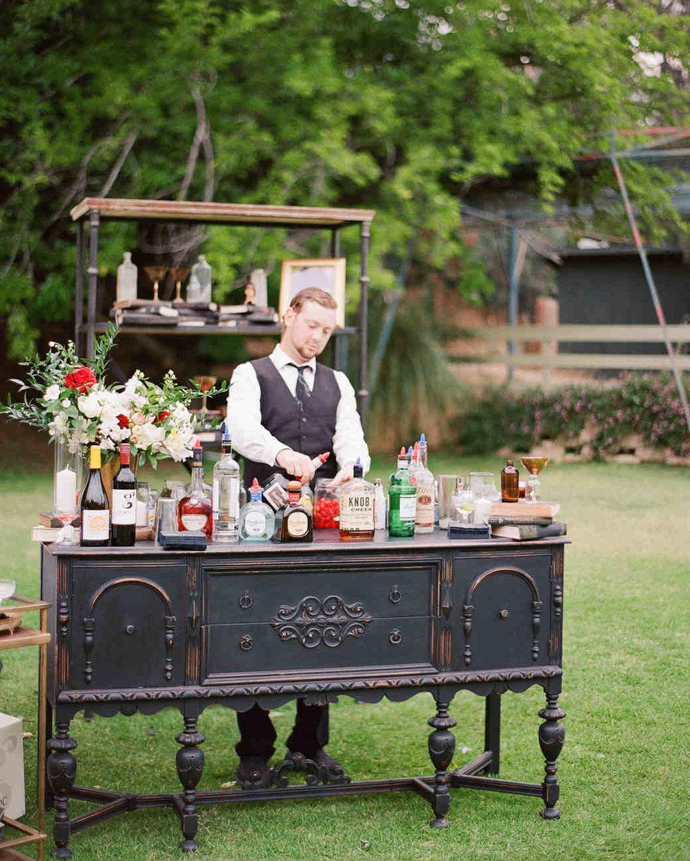shannon-jon-wedding-bar-0539-6238579-0117_vert.jpg