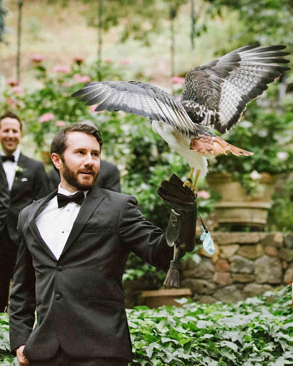 shannon-jon-wedding-hawk-0455-6238579-0117_vert.jpg