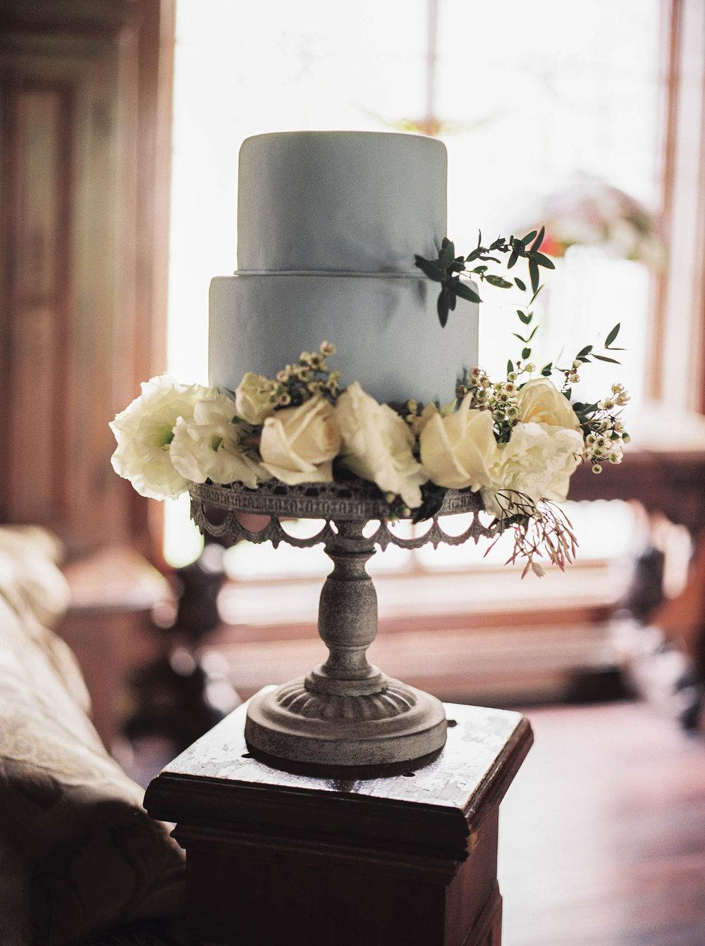 old-world-castle-wedding-inspiration-bridal-lara-lam-130.jpg