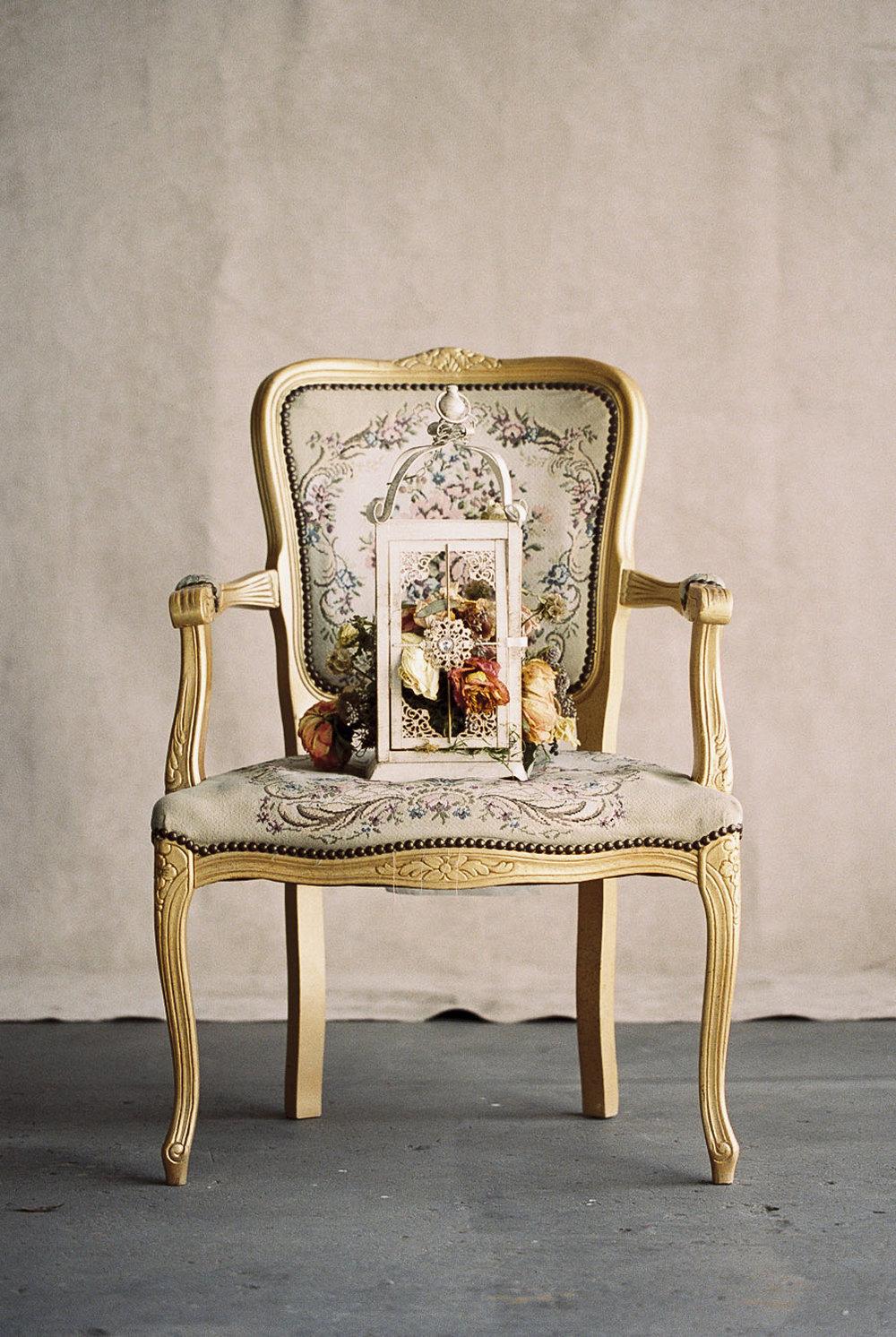 Lara_Lam_Vintage_Heirloom_wedding_photographer_Etablir_shop_vintage_rental1.jpg
