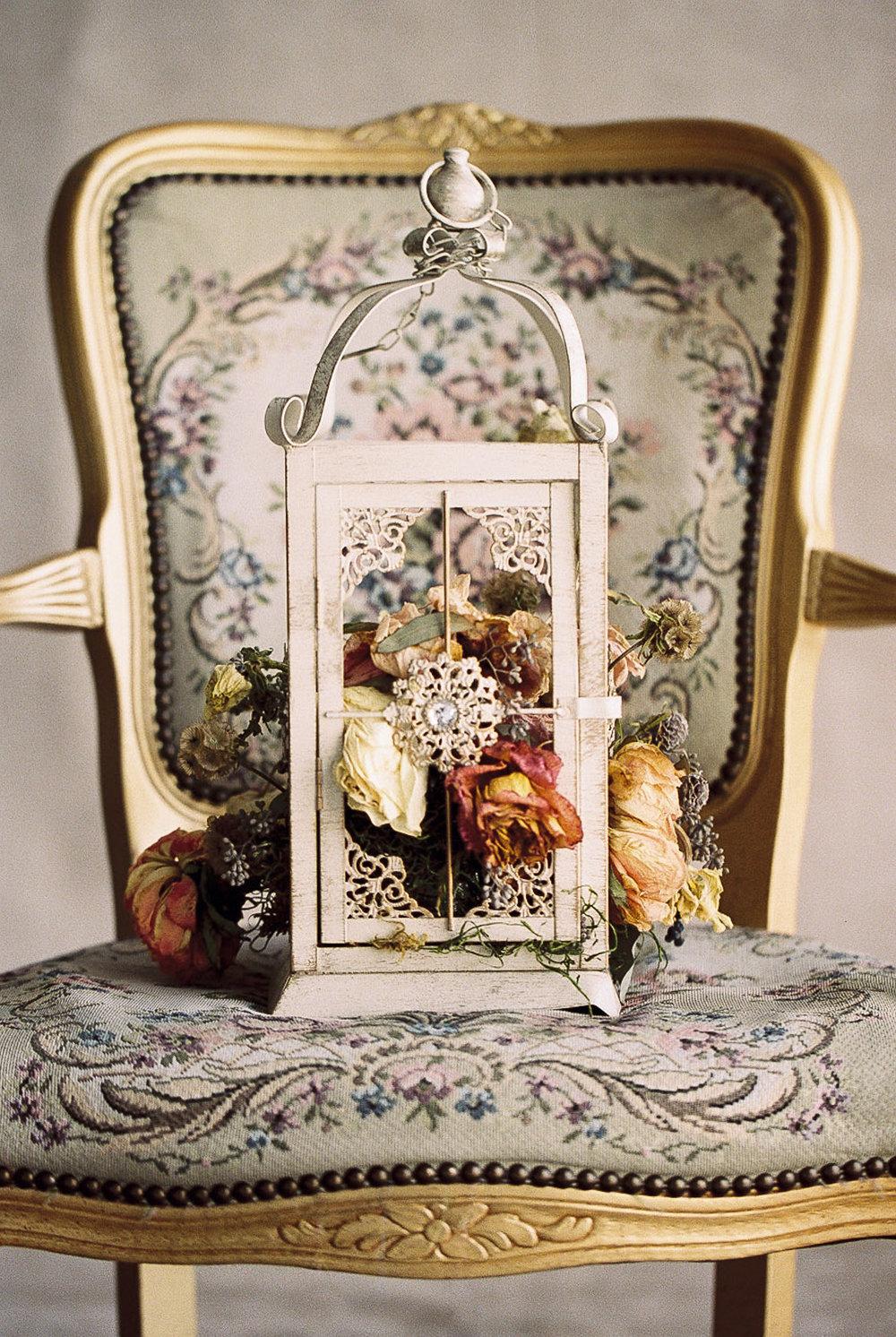 Lara_Lam_Vintage_Heirloom_wedding_photographer_Etablir_shop_vintage_rental2.jpg