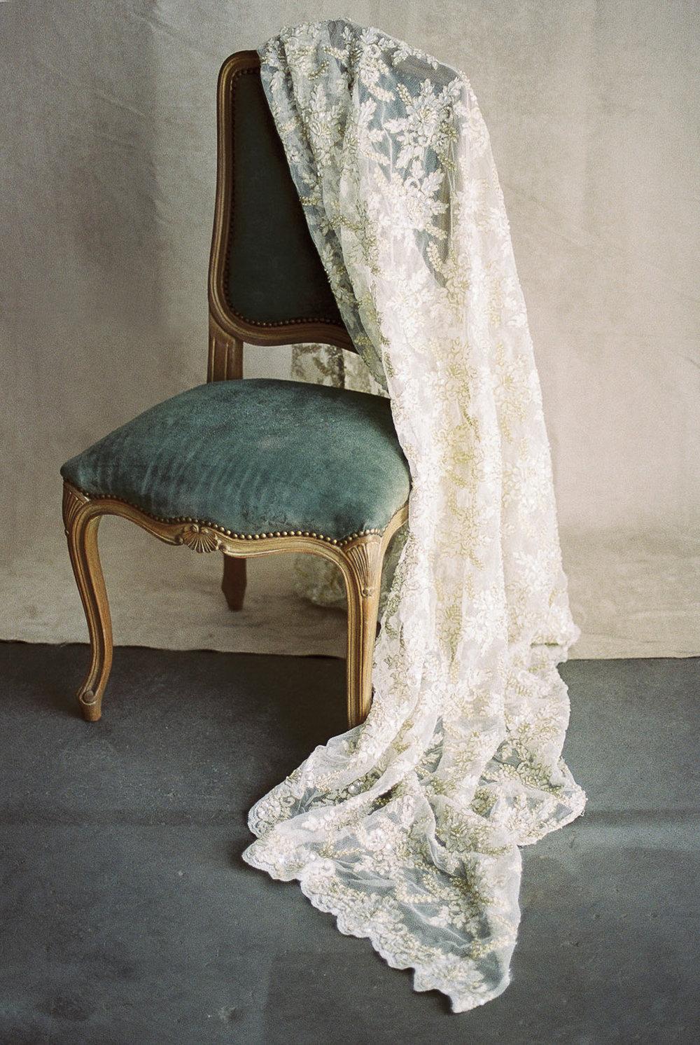 Lara_Lam_Vintage_Heirloom_wedding_photographer_Etablir_shop_vintage_rental4.jpg