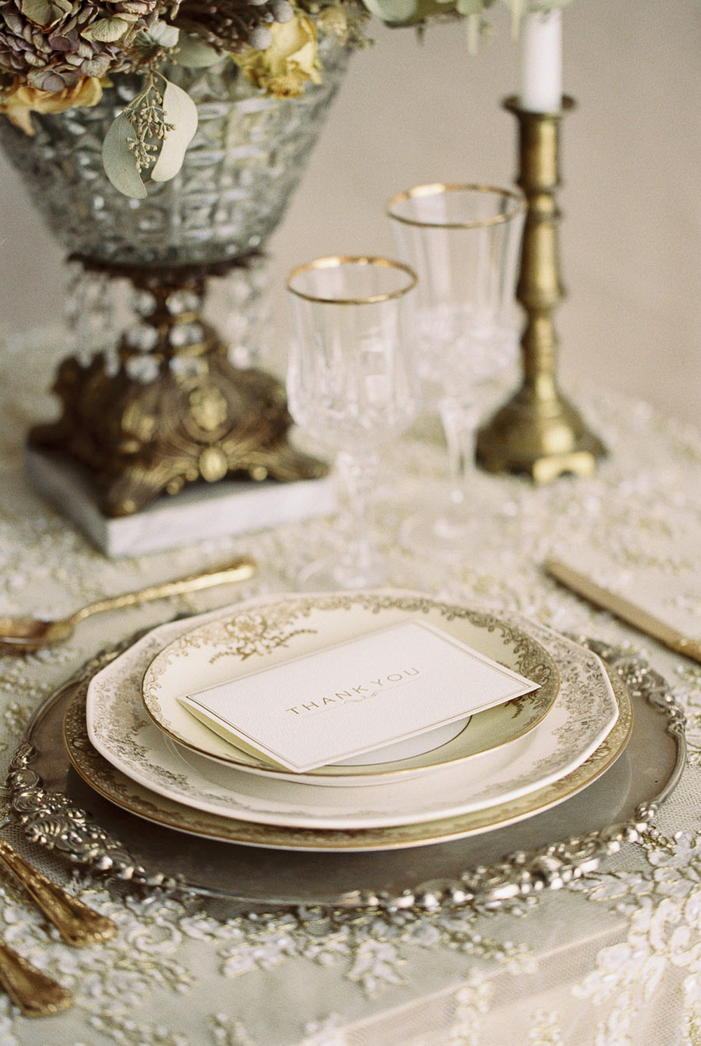 Lara_Lam_Vintage_Heirloom_wedding_photographer_Etablir_shop_vintage_rental11.jpg