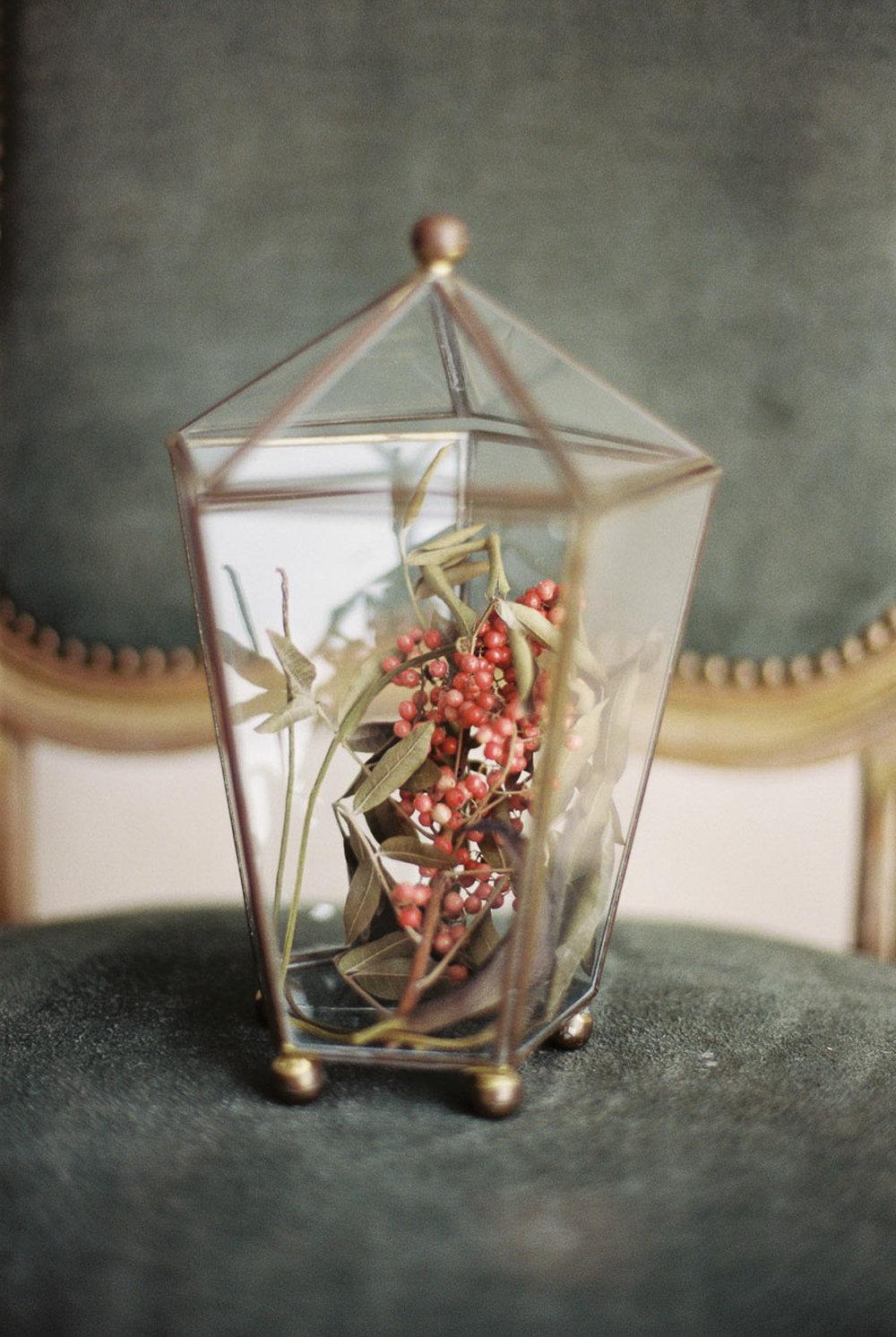 Lara_Lam_Vintage_Heirloom_wedding_photographer_Etablir_shop_vintage_rental19.jpg