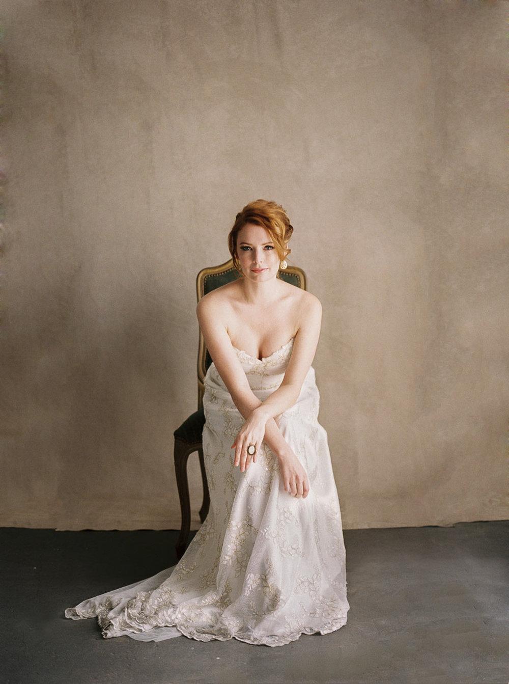 Lara_Lam_Vintage_Heirloom_wedding_photographer_Etablir_shop_vintage_rental22.jpg