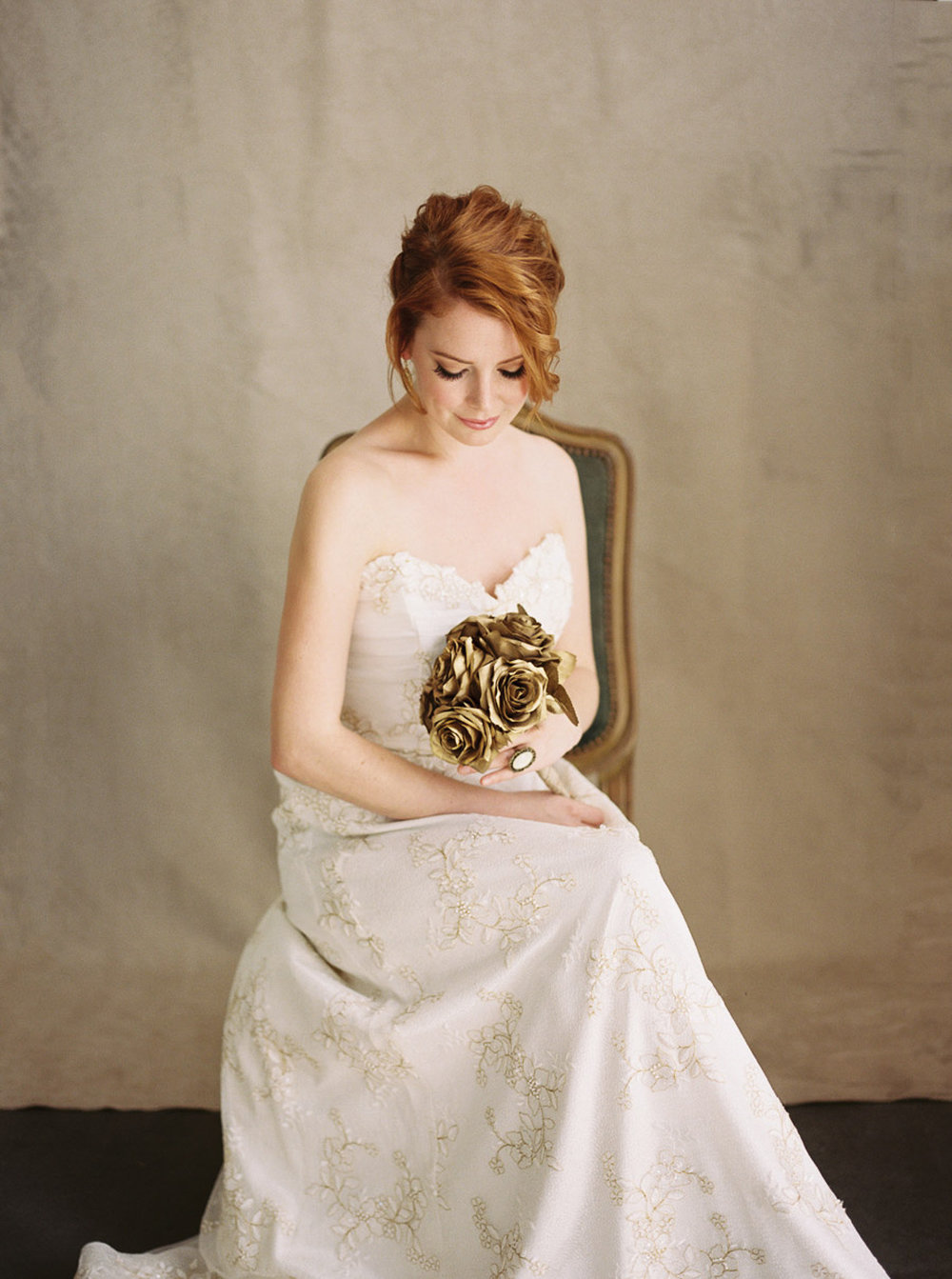 Lara_Lam_Vintage_Heirloom_wedding_photographer_Etablir_shop_vintage_rental39.jpg