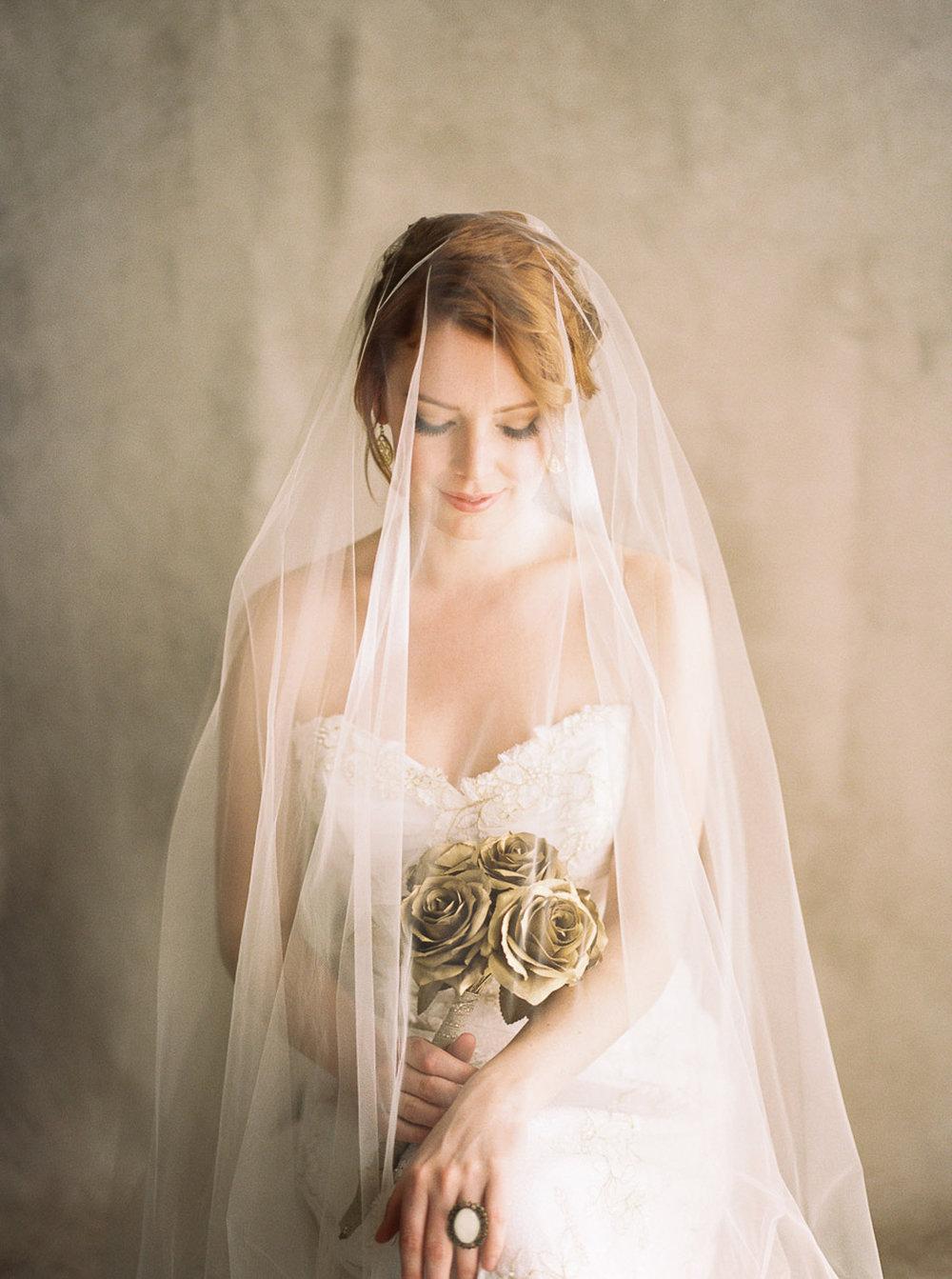 Lara_Lam_Vintage_Heirloom_wedding_photographer_Etablir_shop_vintage_rental45.jpg