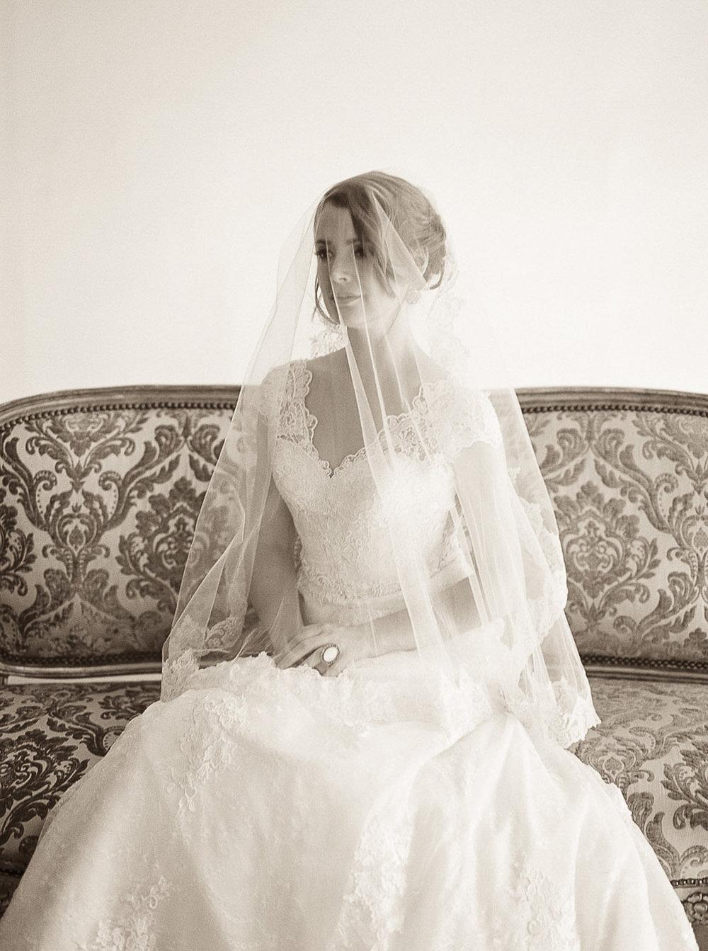 Lara_Lam_Vintage_Heirloom_wedding_photographer_Etablir_shop_vintage_rental86.jpg