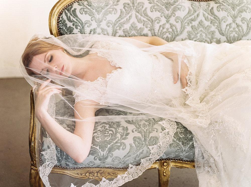 Lara_Lam_Vintage_Heirloom_wedding_photographer_Etablir_shop_vintage_rental88.jpg