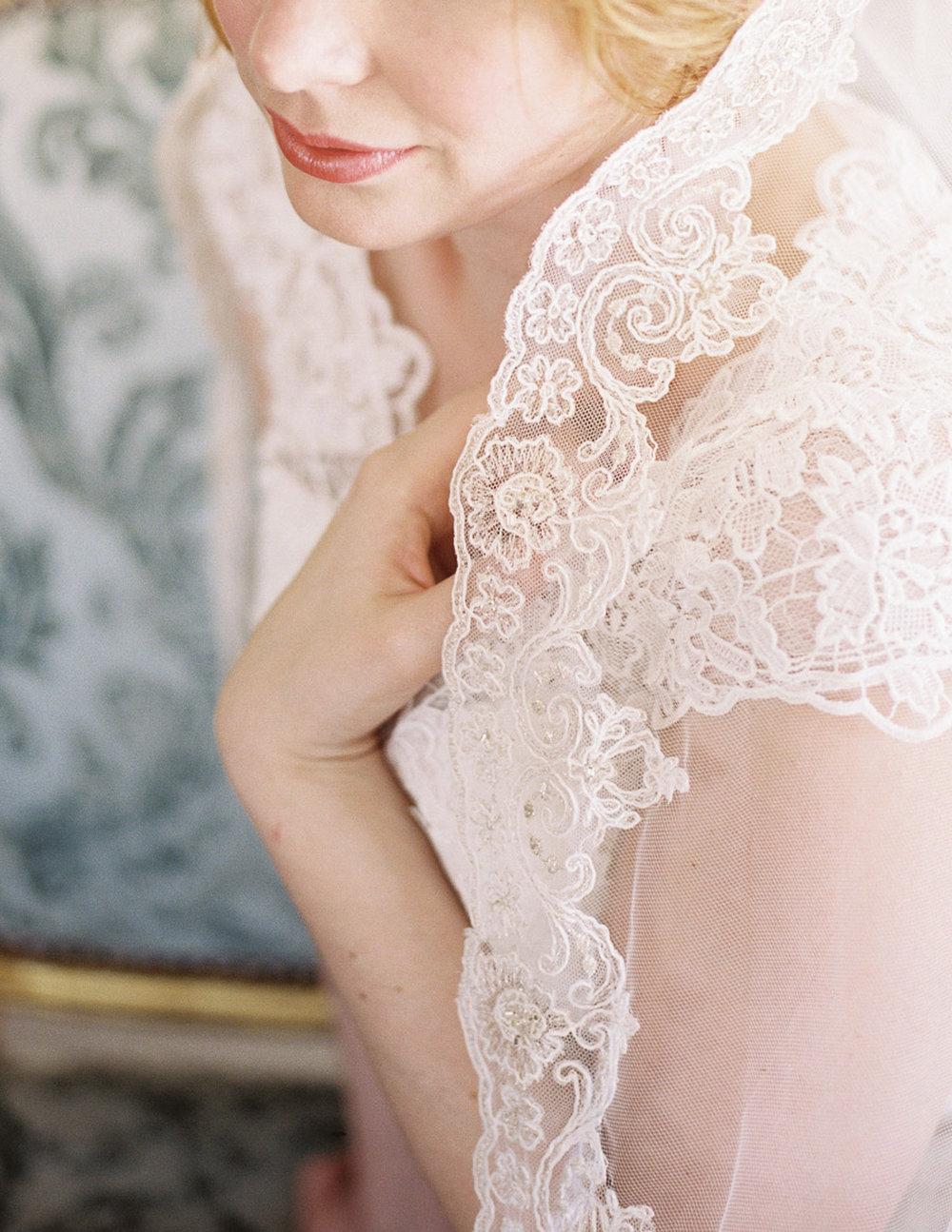 Lara_Lam_Vintage_Heirloom_wedding_photographer_Etablir_shop_vintage_rental90.jpg