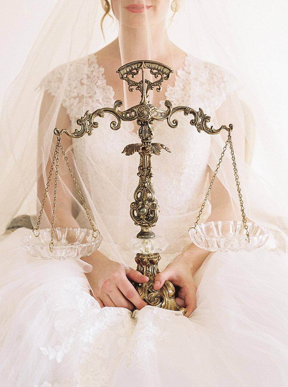 Lara_Lam_Vintage_Heirloom_wedding_photographer_Etablir_shop_vintage_rental95.jpg
