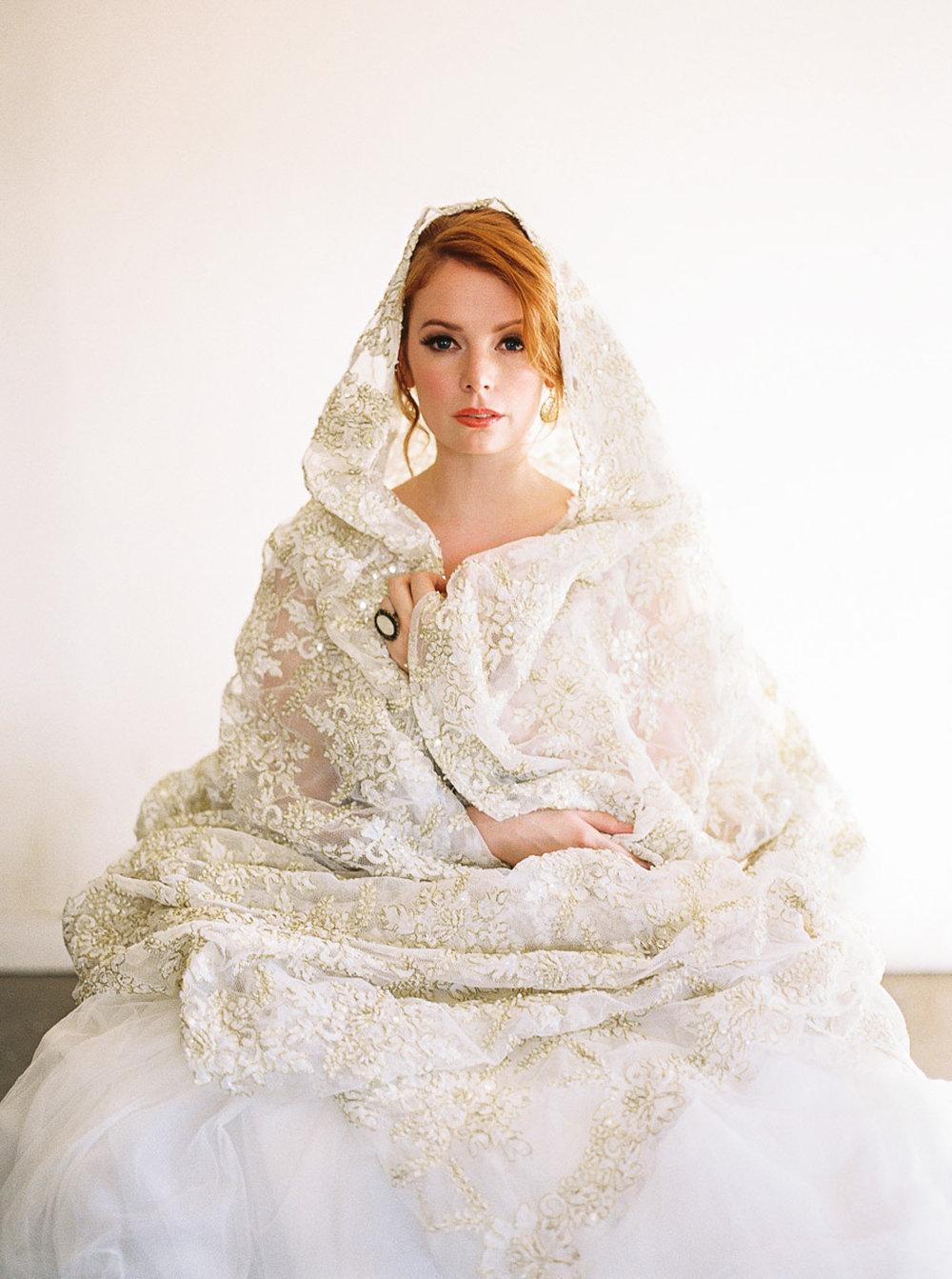 Lara_Lam_Vintage_Heirloom_wedding_photographer_Etablir_shop_vintage_rental96.jpg