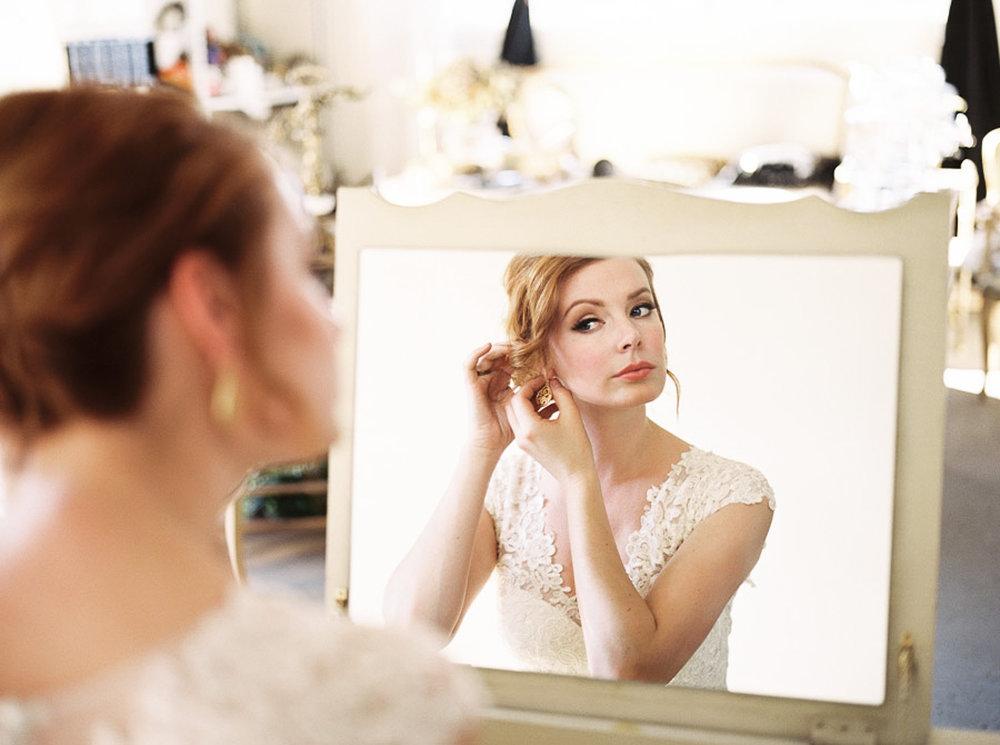 Lara_Lam_Vintage_Heirloom_wedding_photographer_Etablir_shop_vintage_rental103.jpg