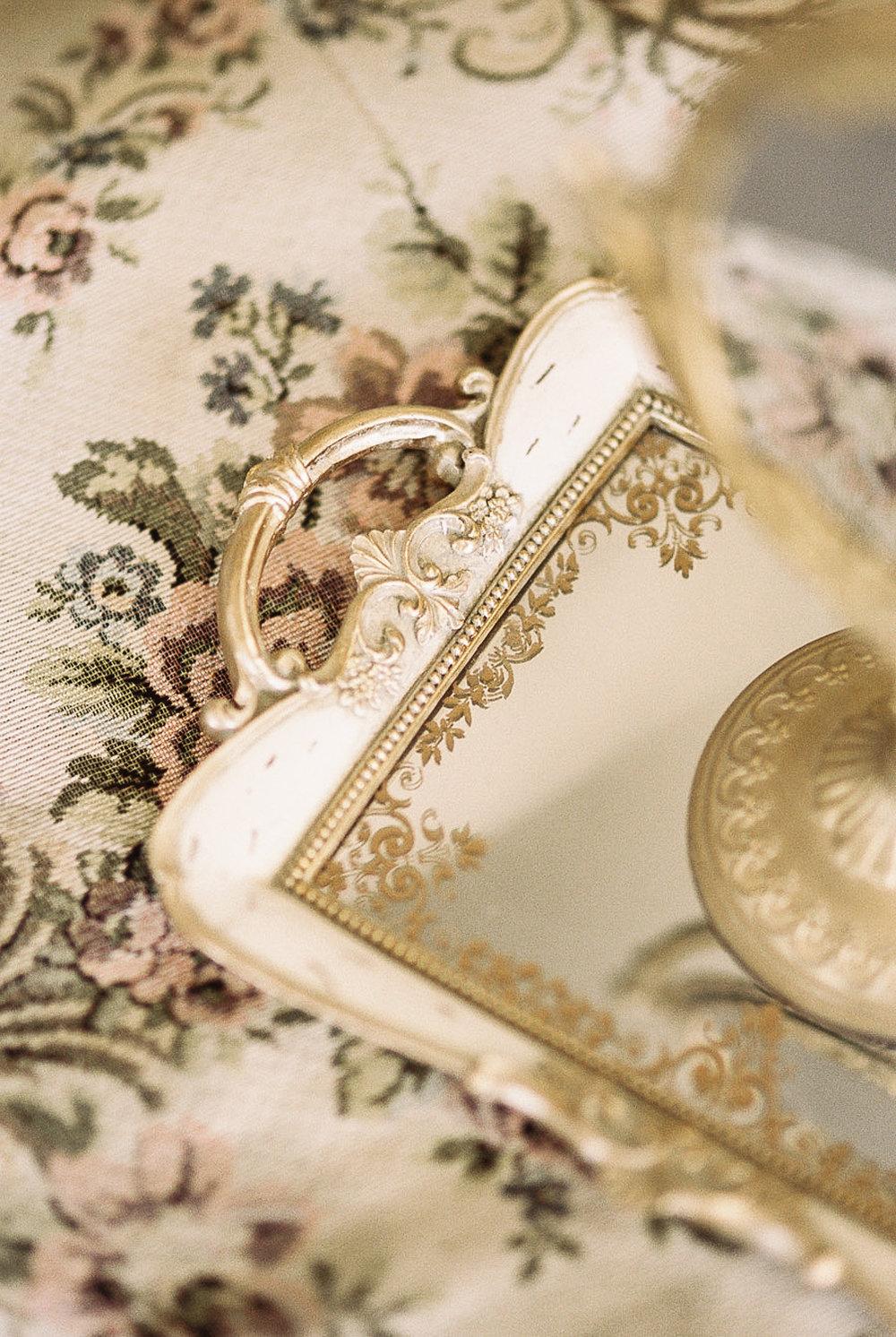 Lara_Lam_Vintage_Heirloom_wedding_photographer_Etablir_shop_vintage_rental105.jpg