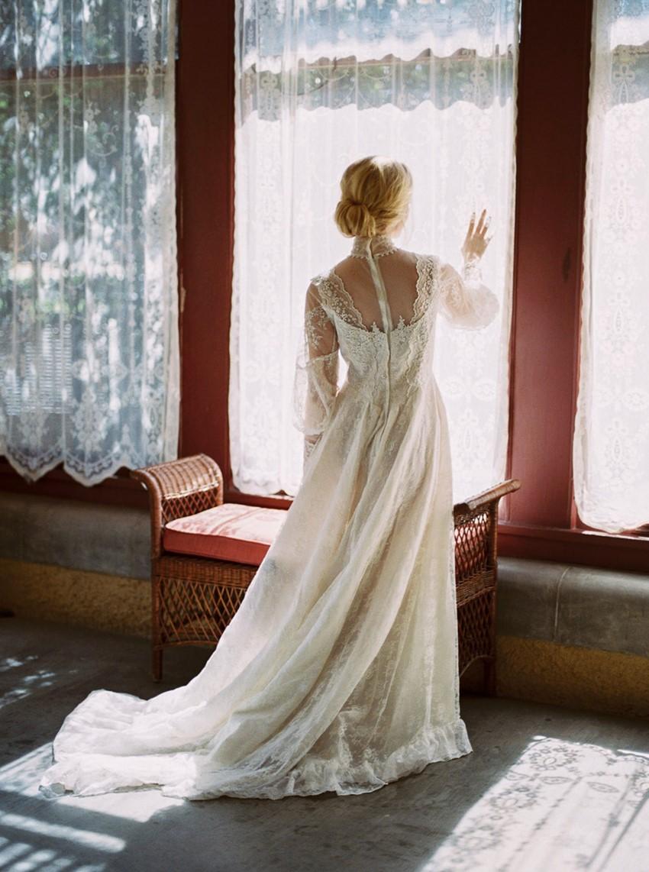 3-castle-green-pasadena-vintage-bridal-editorial-lara-lam-9.jpg
