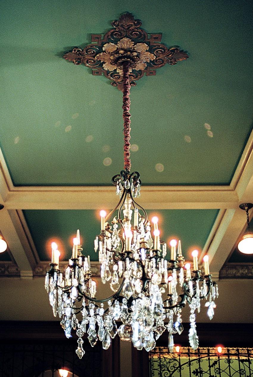 5-castle-green-pasadena-vintage-bridal-editorial-lara-lam-24.jpg
