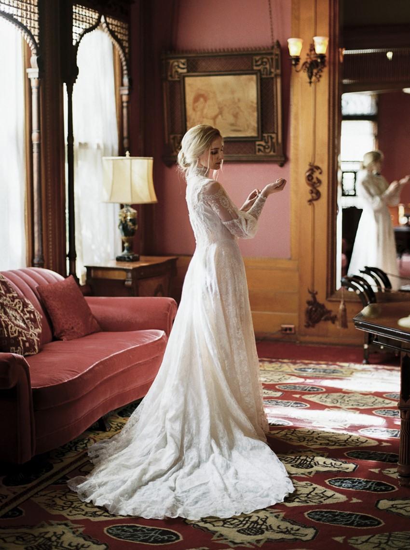 7-castle-green-pasadena-vintage-bridal-editorial-lara-lam-66.jpg