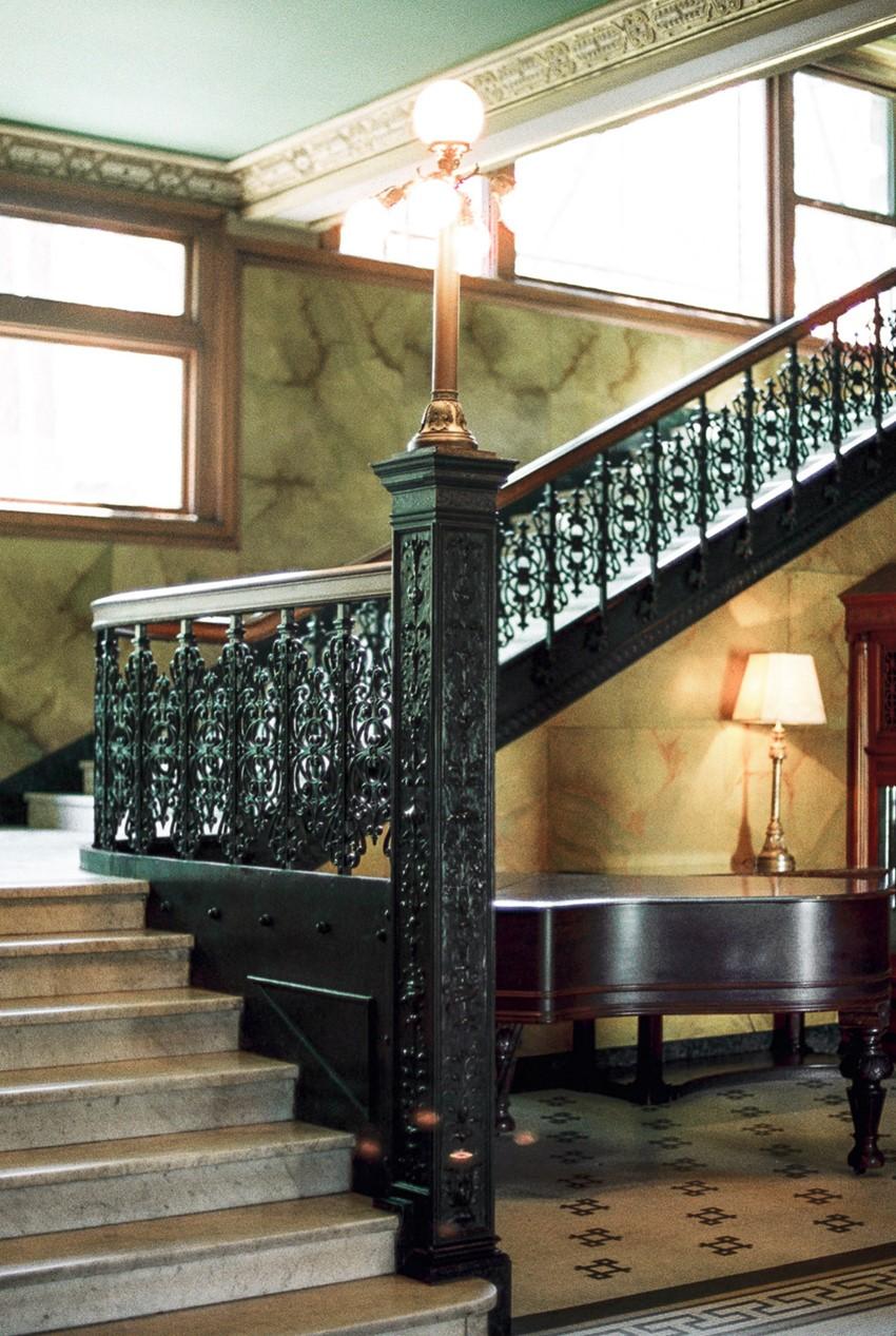 15b-castle-green-pasadena-vintage-bridal-editorial-lara-lam-25.jpg