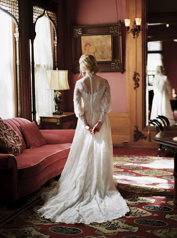 20-castle-green-pasadena-vintage-bridal-editorial-lara-lam-64.jpg