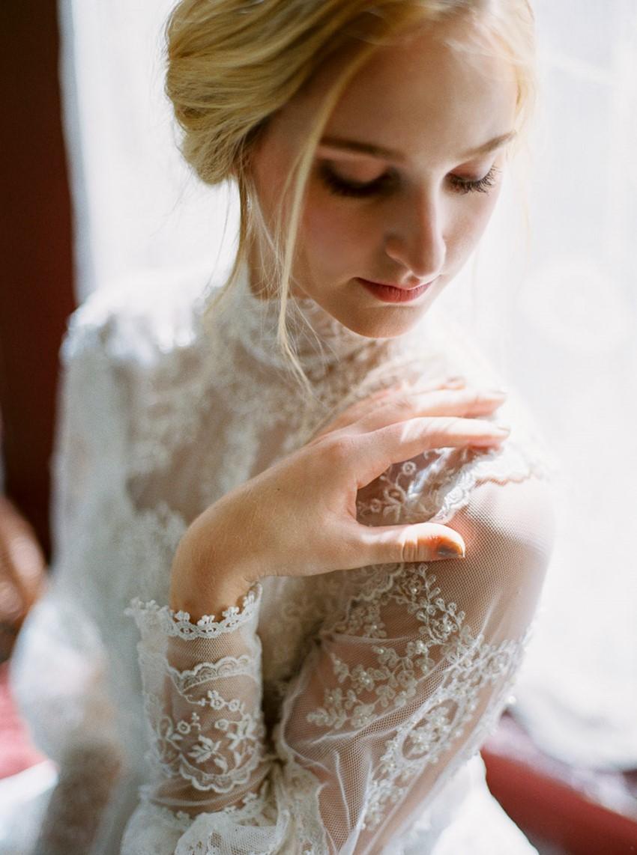 castle-green-pasadena-vintage-bridal-editorial-lara-lam-16.jpg